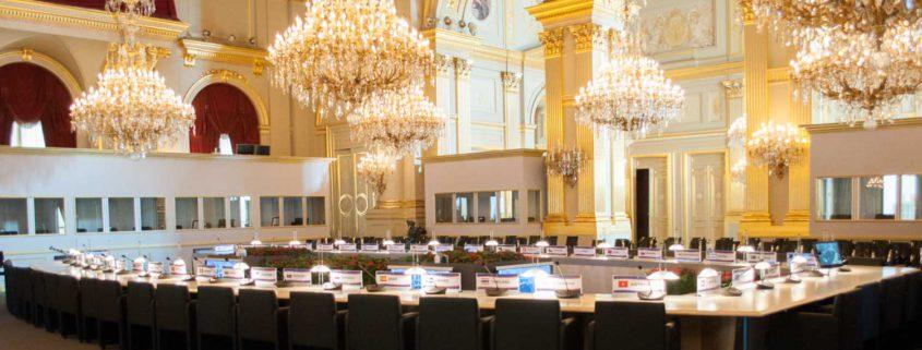 une vue panoramique de la configuration au Palais Royal pour le sommet ASEM2010
