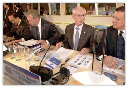 Van Rompuy et Barosso au sommet ASEM2010, utilisant les solutions de conférence de duvall